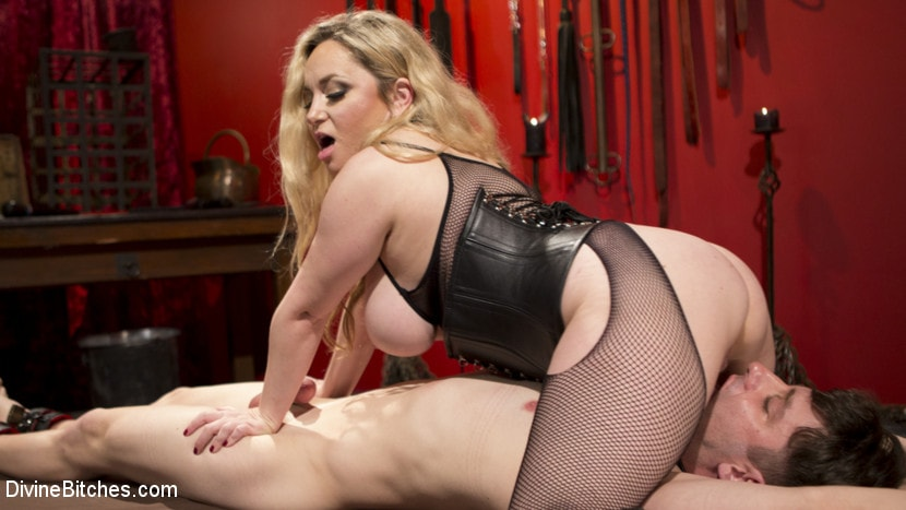 Aiden Starr - Aiden Starr pounds fresh meat | Picture (2)