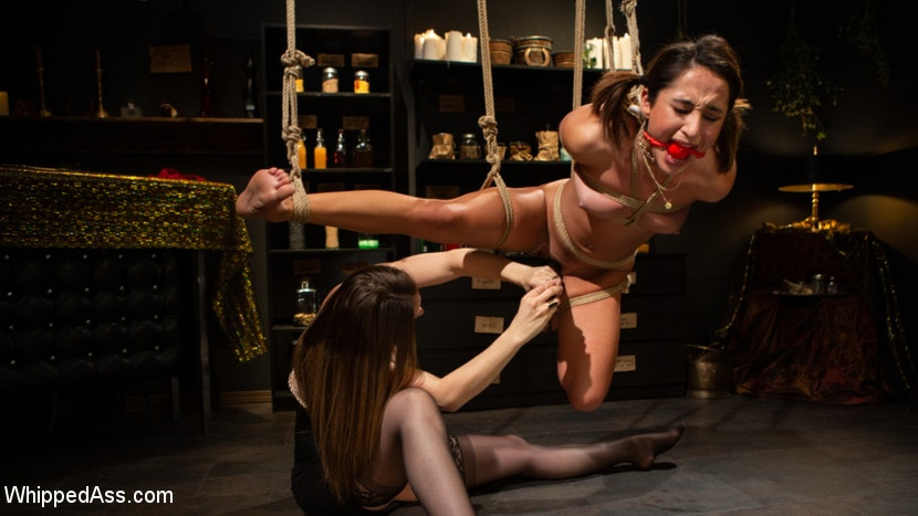 Chanel Preston - Virgin Lesbian Witchcraft: Chanel Preston Enchants Isabella Nice | Picture (4)