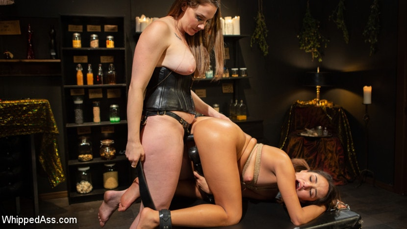 Chanel Preston - Virgin Lesbian Witchcraft: Chanel Preston Enchants Isabella Nice | Picture (10)