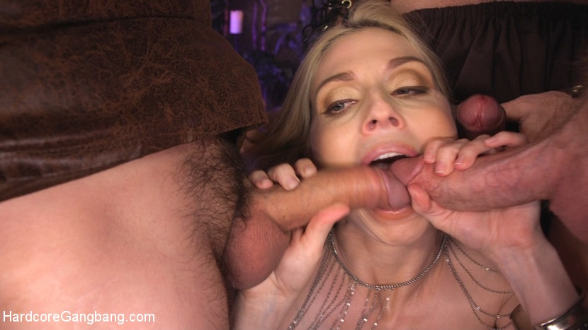 image Penny pax offers her asshole to a bbc