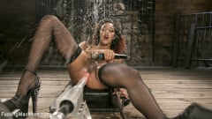 Daisy Ducati - Ebony Squirt Queen Daisy Ducati Gets Royal Fucking Machines Treatment! | Picture (14)