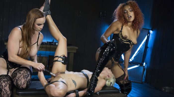 Daisy Ducati in Hot Electro Sex Toy: Lesbian Slut Boun ...