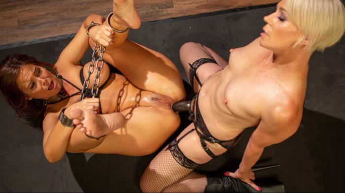 Helena Locke in Syren de Mer Submits Every Hole to Hel ...