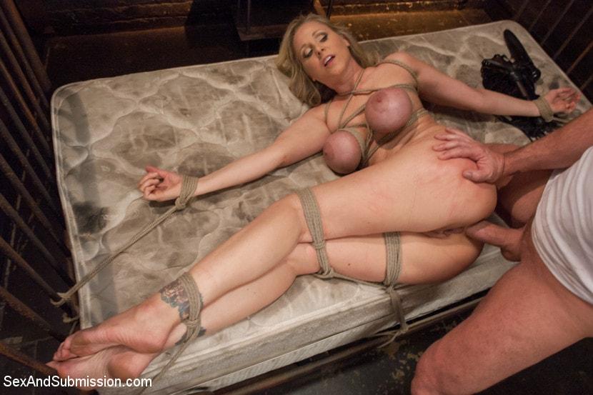 seksualnie-fantazii-blondinok
