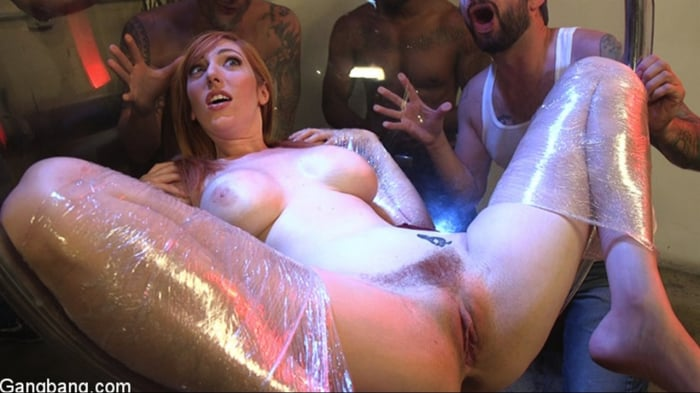Lauren Phillips in All Natural Redhead Lauren Phillips ...