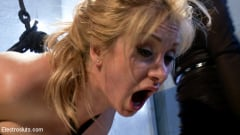 Lea Lexis - Eager to Please | Picture (15)