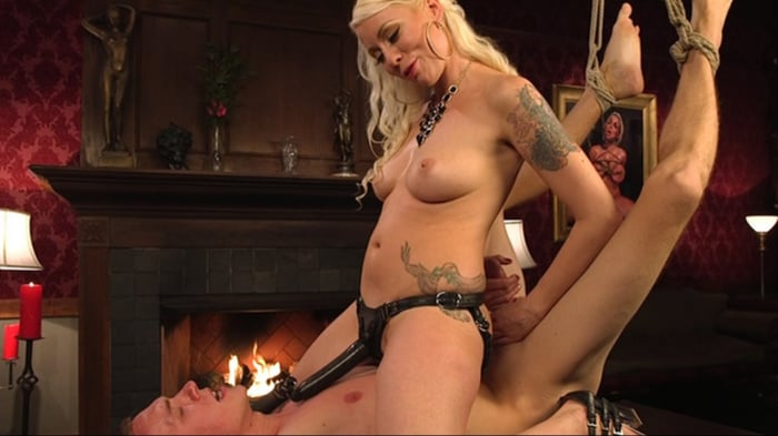 Lorelei Lee in Lorelei Lee's Pleasure of the Divine Bi ...