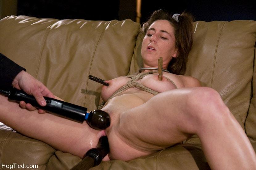 Порно с связанными грудями