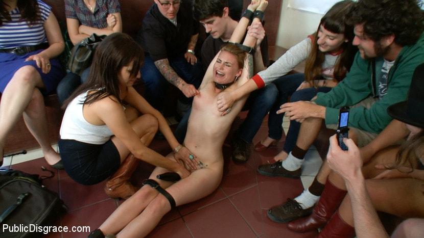секс видео наказание публично