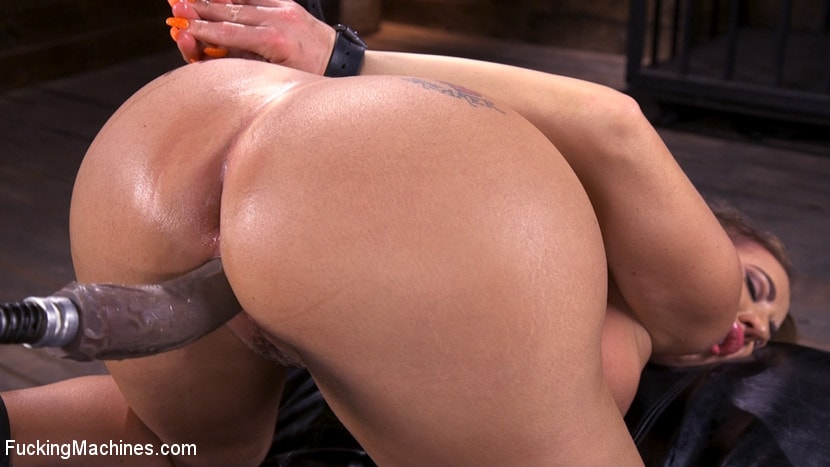 Richelle Ryan - Bodacious Curvy Babe is Bound and Fucked with Machines | Picture (8)