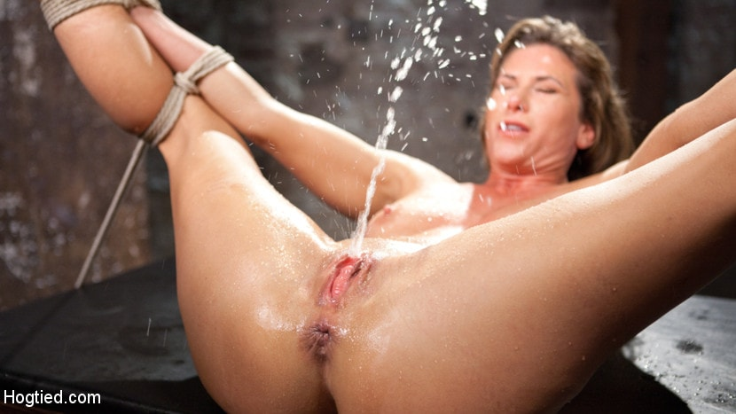 Chesty hungarian's extreme squirting