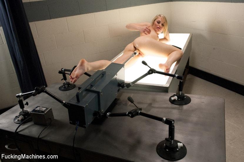 Robotic orgasm, sexy american teens nackt