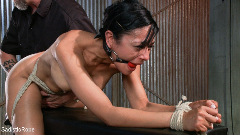 Slave crystel lei pussy punishment in gyno bdsm and bizarre