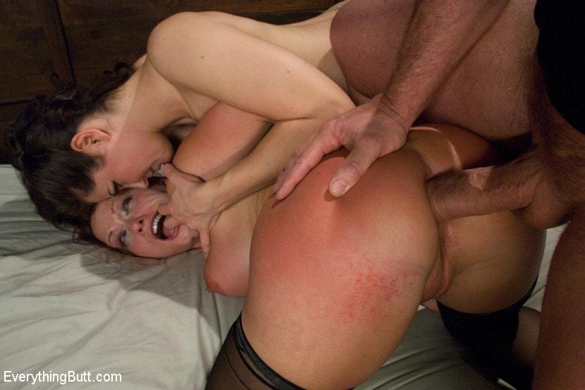 Порно фистинг жестко порванный анал