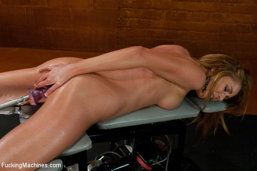Watch Gorgeous Brynn Tyler Goes For A Ride On The Sybian