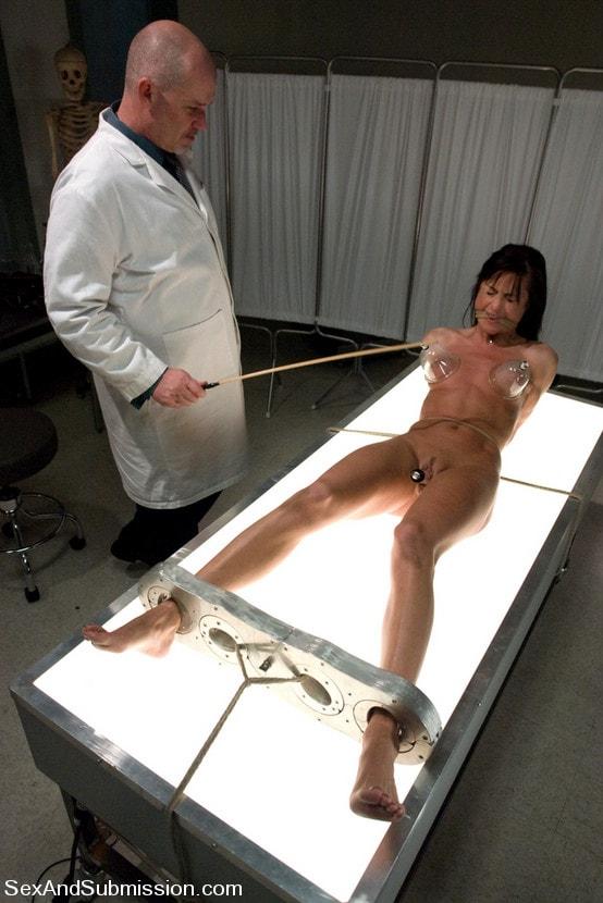 фотографии девушек порно ролики эксперименты над своим телом вот голове