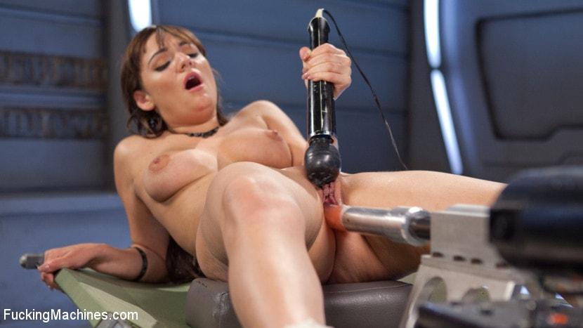 Проститутку фото вблизи порно машины рот вынимая девушками