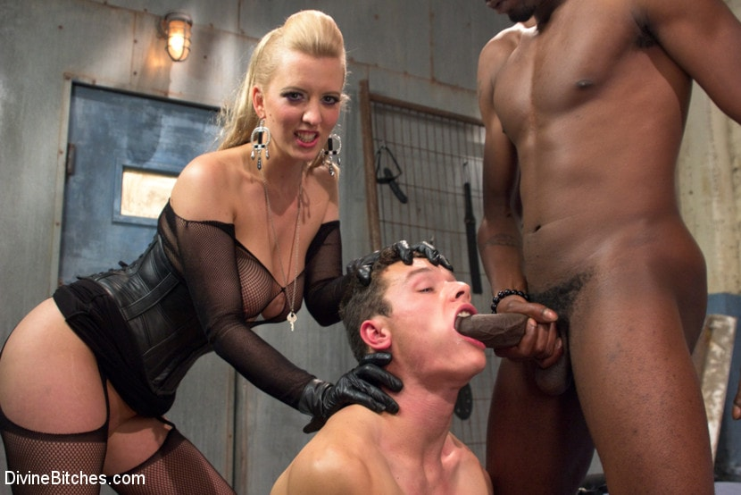 Amateur bisexual cuckold mmf