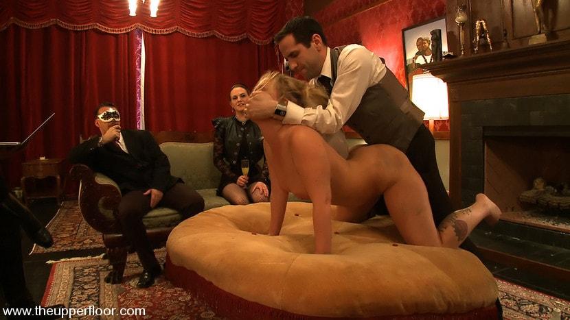 секс в рабстве у старого бородатого мужика за границей видео - 12