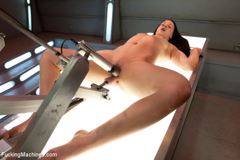 Тест с секс роботом