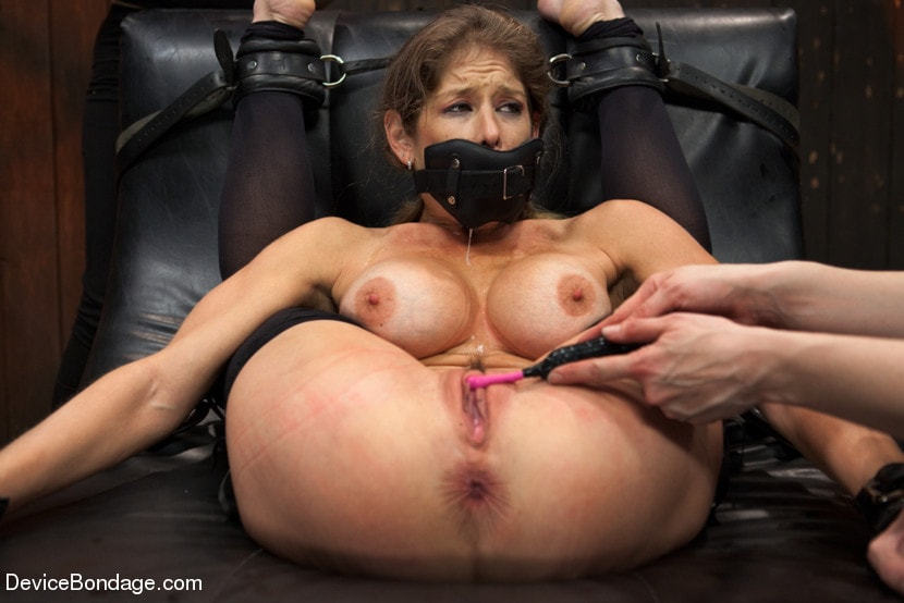 bdsm-extreme-movietures-steamgirl-ambers-pussy