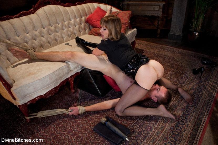 укромное порно доминация в постели жесточайшее порно