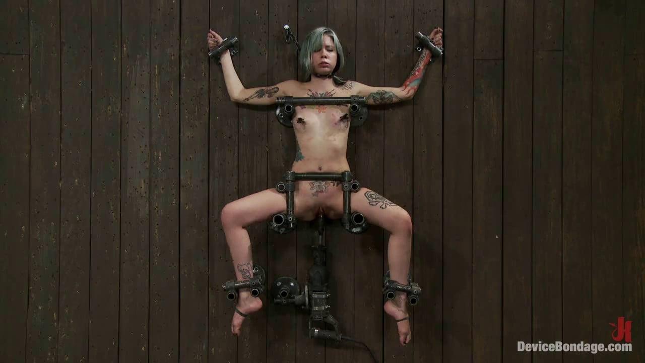 Деперсонализация личности в бдсм онлайн, эротика видео классное