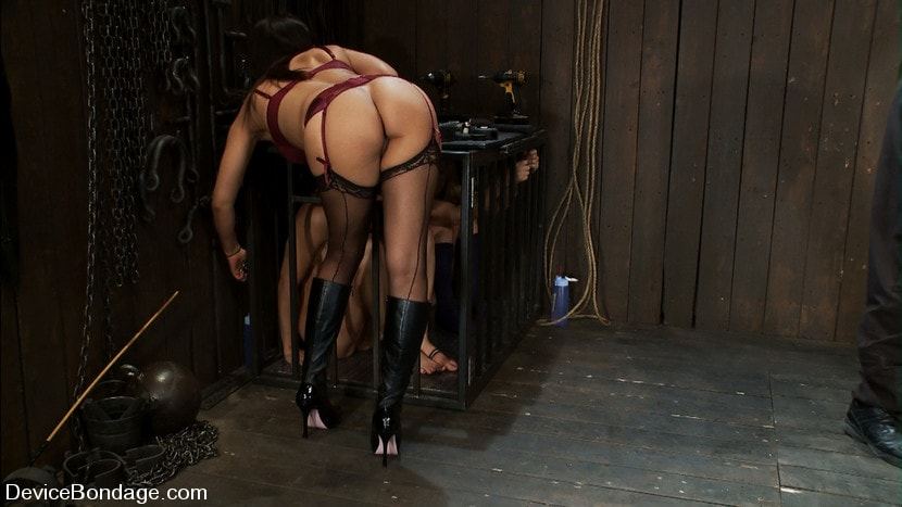 Free streaming bdsm role play lesbian